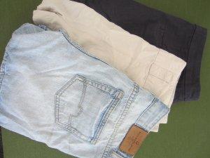 Drei Sommer-Shorts (Jenas, Dunkelblau und Beige) Gr. 36-38