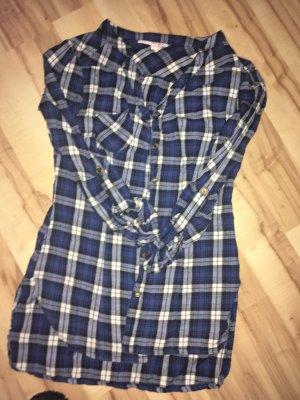 Drei verschiedene Blusen