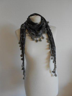 Dreieckstuch Schal mit Stickerei