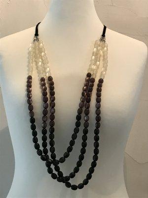 Dreireihige Perlenkette