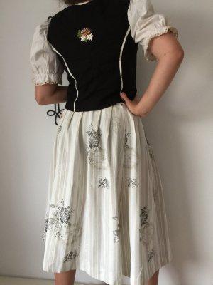 Vestido tradicional negro-crema