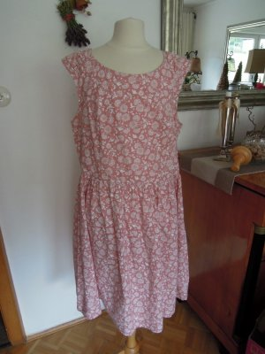 Dresses Yessica Kleid Blümchen Rosé Gr. 42