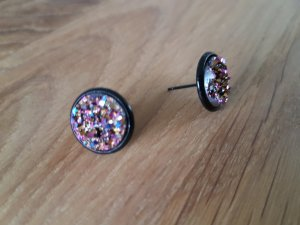 Clou d'oreille multicolore