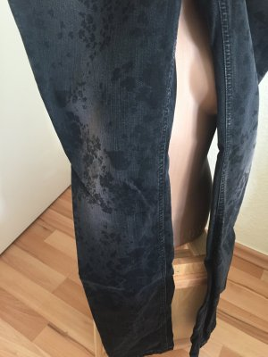 Drykorn Jeans antrazhit mit schwarzem, floralem Muster