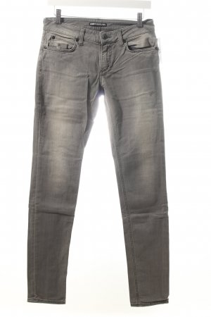 Drykorn Slim Jeans grau Street-Fashion-Look