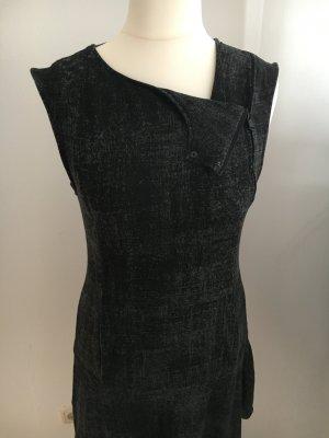 Drykorn Sweatkleid mit raffiniertem Ausschnitt zu verkaufen!