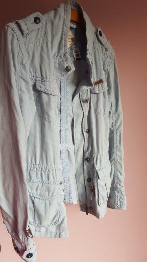 Dünne Jacke im Vintagestil