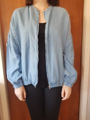 dünne Jacke in Jeansoptik Zara