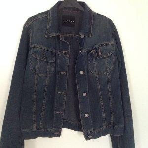Dünne, klassische Jeansjacke