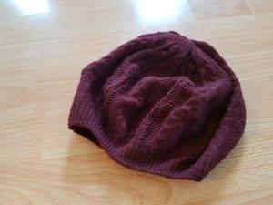 Dünne Mütze in dunkelrot