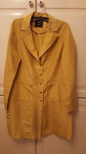 dünner Mantel aus Seide, goldgelb schimmernd