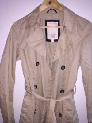 Dünner Mantel mit Knöpfen