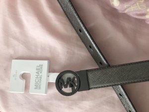 Michael Kors Cinturón de cuero color plata-burdeos