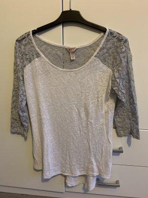 Dünner Pullover mit 3/4 Ärmeln aus Spitze