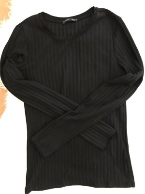 Dünner Pullover Zara schwarz ripped
