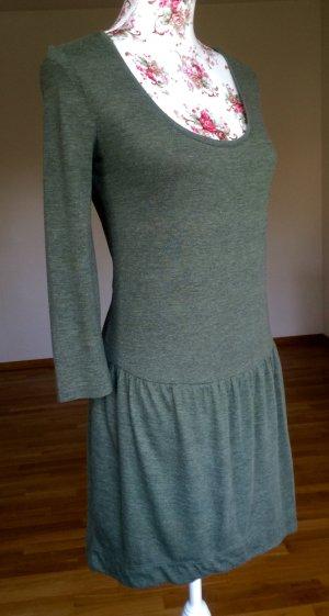 Dünnes Kleid in schönem oliv-Ton