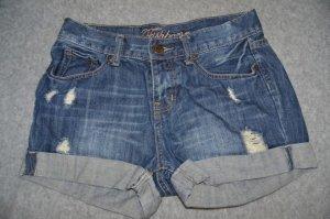 dunckel blaue Jeans
