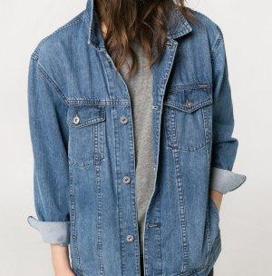 (Dunkel)blaue Jeansjacke