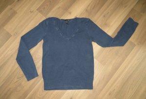 Dunkel Blauer Pullover