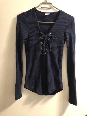 Dunkel blaues Oberteil von Gina tricot