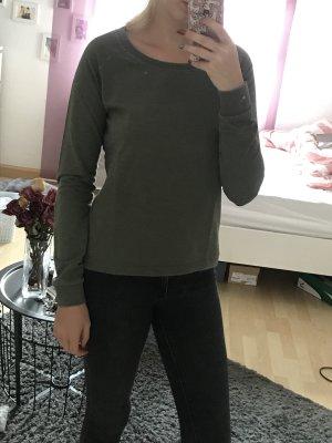 Dunkel grünes Langarmshirt