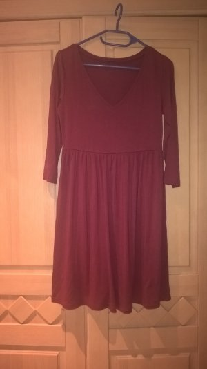 dunkel rotes lockeres Kleid
