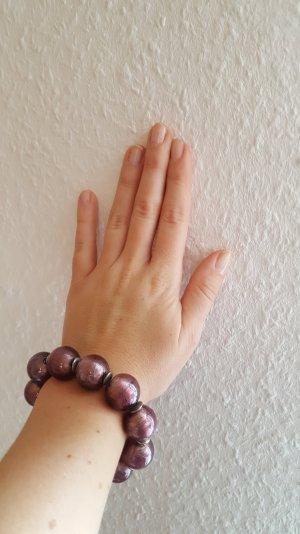 dunkel violettes Perlenarmband