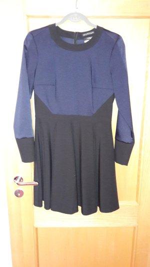dunkelblau/schwarzes Kleid von Jila&Jale