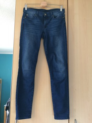 Dunkelblaue 7 For All Mankind Modell The Skinny