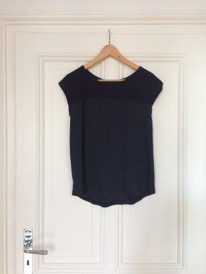 Dunkelblaue Bluse aus 2 Stoffen