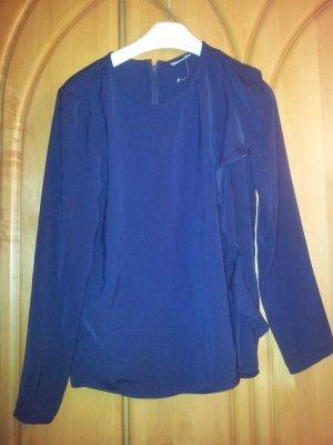 dunkelblaue bluse mit Rüschen an einer Seite