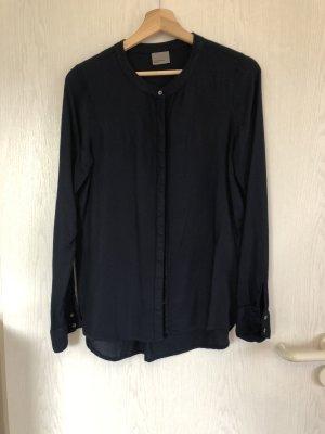 Dunkelblaue Bluse mit rund Ausschnitt