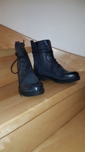 dunkelblaue Boots