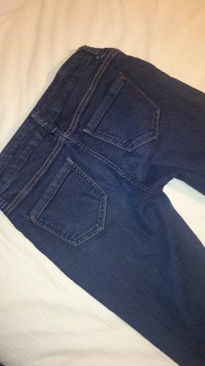 Dunkelblaue enge Jeans von Esprit
