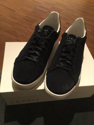 Dunkelblaue Esprit-Sneaker mit weißer Sohle