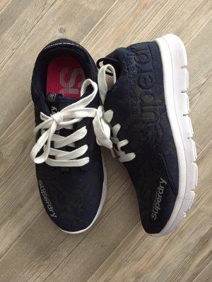 Dunkelblaue gemusterte Sneakers von Superdry Größe 39 NEU!!