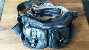 dunkelblaue geräumige Liebeskind Handtasche
