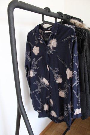 Dunkelblaue Hemdbluse mit Nude Muster Pieces