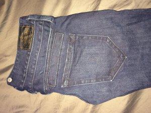 Dunkelblaue Herrlicher Jeans in 27/34 zu verkaufen!