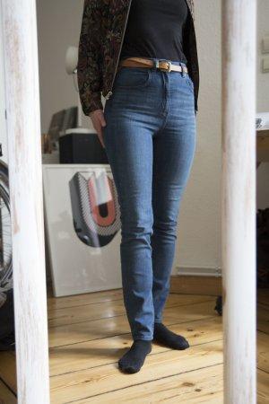 Dunkelblaue High Waist Jeans von Monki