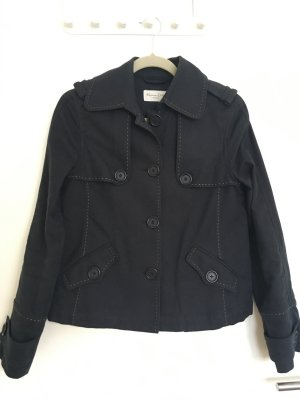Dunkelblaue Jacke von Massimo Dutti