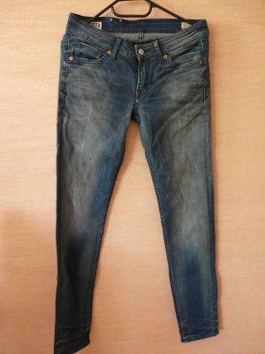 dunkelblaue Jeans aus Bio-Baumwolle