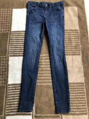 Dunkelblaue Jeans