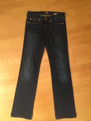 Dunkelblaue Jeans gerader Schnitt