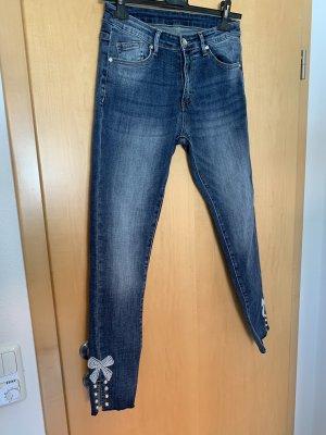 Dunkelblaue Jeans, letzter Preis !
