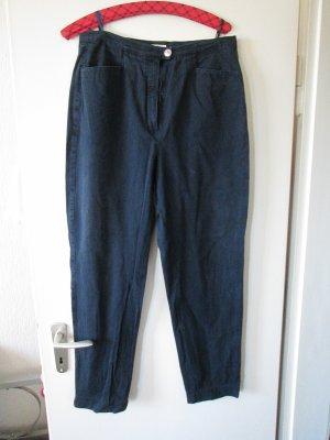 dunkelblaue Jeans mit 5 % Lycra
