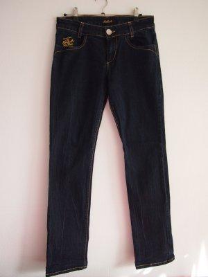 Dunkelblaue Jeans mit oranger/bernsteinfarbener Naht