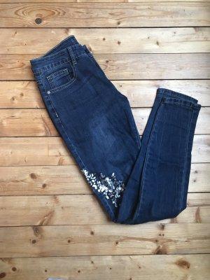 Dunkelblaue Jeans mit Pailletten