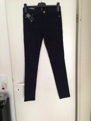 Dunkelblaue Jeans, neu