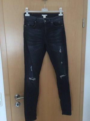 Dunkelblaue Jeans, super Schnäppchen;)